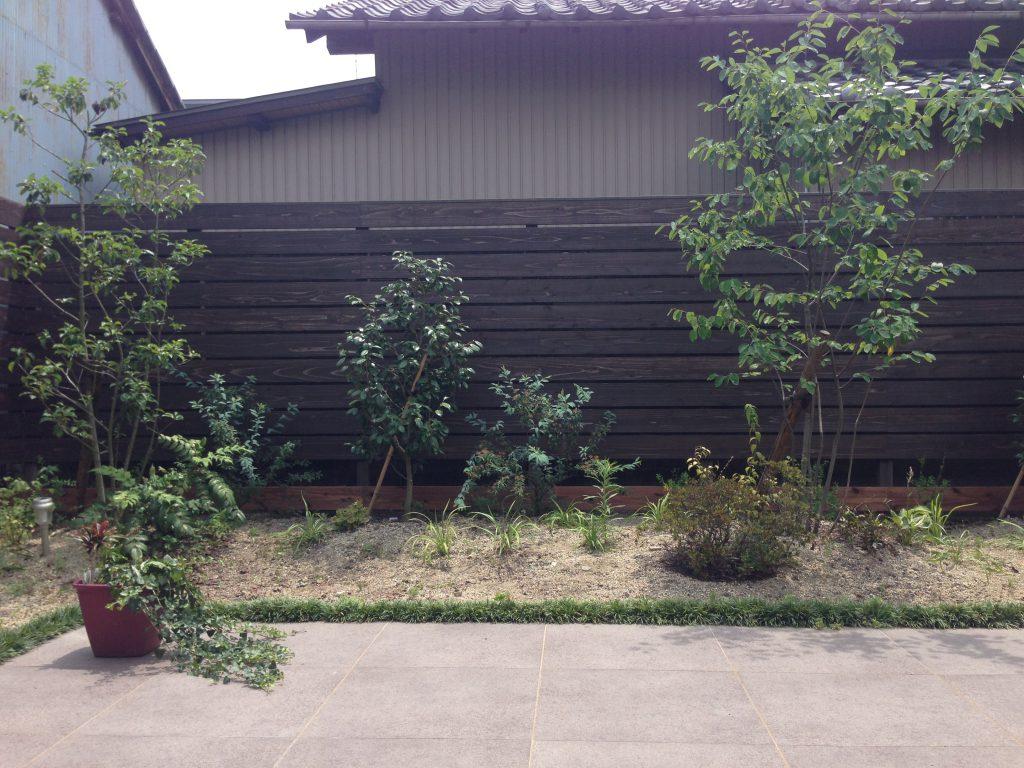 飫肥杉ウッドフェンス施工例(一宮市)