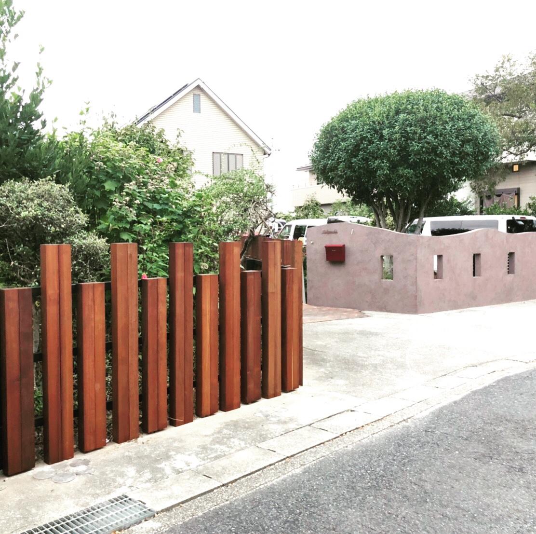 ハードウッド柱材を使ったフェンス
